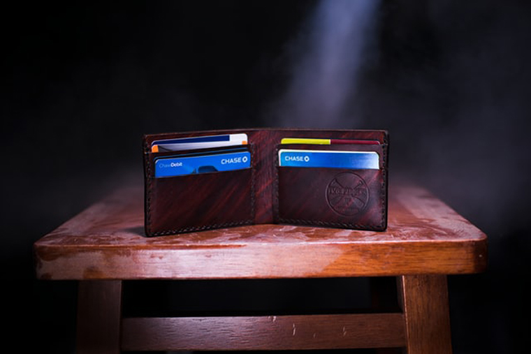 brown-leather-wallet